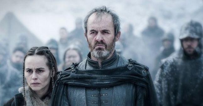 Stannis Baratheon est-il simplement un père intransigeant ou un monstre d'égoïsme ?