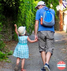 Devenir papa c'est guider ses enfants sur le chemin de la vie
